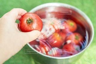 トマトのボウルのクローズアップの写真・画像素材[3410147]
