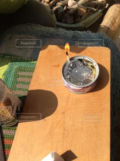 ツナ缶で明かりの写真・画像素材[1061295]