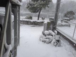 自転車にも雪の写真・画像素材[1060501]