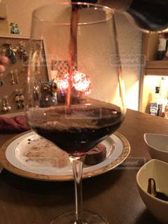 ワイングラスの写真・画像素材[1064224]