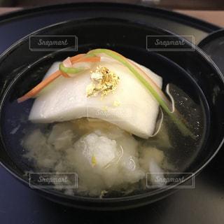 ファーストクラス食事のお吸い物の写真・画像素材[1087007]