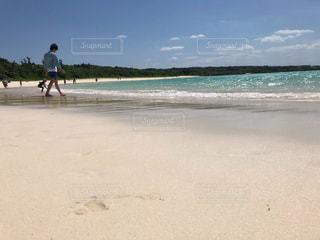 綺麗な砂浜の写真・画像素材[2110385]