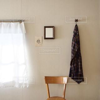 フランスの椅子と身支度する場所 - No.1062275