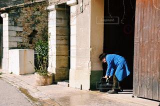 街角の老人の写真・画像素材[1065459]