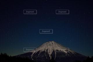 夜の富士山の写真・画像素材[1072838]
