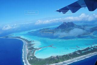 ボラボラ島上空の写真・画像素材[1064044]