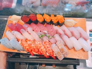 お寿司食べ放題の写真・画像素材[1064752]