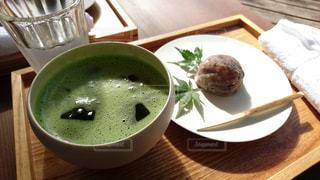 抹茶と茶菓子の写真・画像素材[1067456]