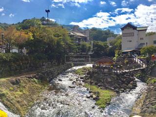 川に架かる橋の写真・画像素材[1067461]
