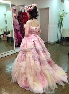 ピンクのドレスの写真・画像素材[1166410]
