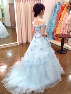 青いドレスの写真・画像素材[1166411]