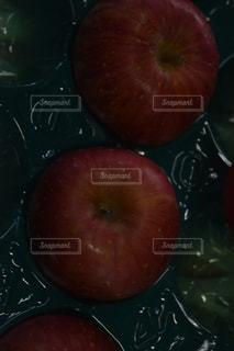 りんごの写真・画像素材[1065998]