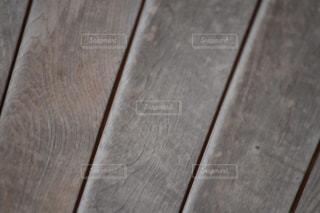 近くの木製のテーブルの写真・画像素材[1070329]