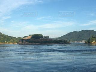 水の大きな体の写真・画像素材[1066017]