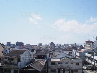 大きな白い建物の写真・画像素材[1066574]