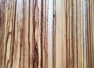 はっきりとした木目のアップの写真・画像素材[1066387]