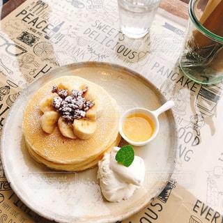 ふわもち♡バナナとくるみのパンケーキの写真・画像素材[1066198]