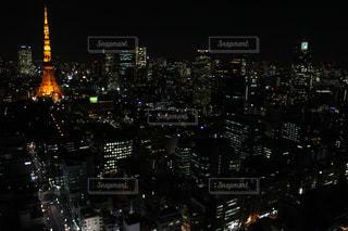 夜の街の景色の写真・画像素材[1067176]