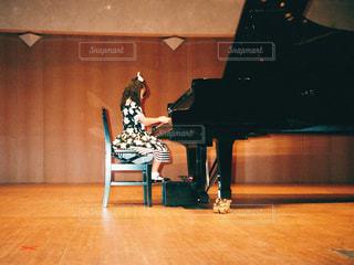 ピアノの発表会の写真・画像素材[1097481]