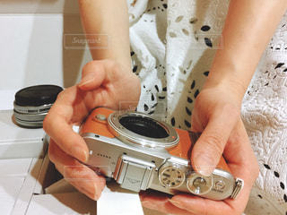 OLYMPUS PENが届い女性の写真・画像素材[1121193]