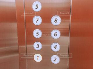 エレベーターの中の写真・画像素材[1492658]