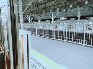 電車から見た二子玉川駅のホームの写真・画像素材[1554078]