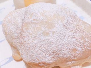 ヴィドフランスの塩パン・オ・ザマンド(レアチーズ)の写真・画像素材[1670484]