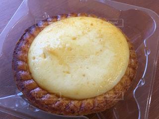 Family Martのサクサク焼きチーズタルトの写真・画像素材[1728177]
