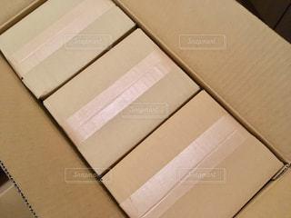 通販で届いた荷物の写真・画像素材[1796164]