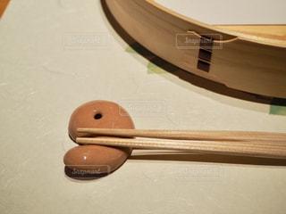勾玉の箸置きの写真・画像素材[1804773]