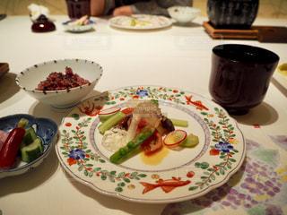 宙SORAのお料理ー帆立貝柱のサラダと修善寺の国米ごはんの写真・画像素材[1809152]