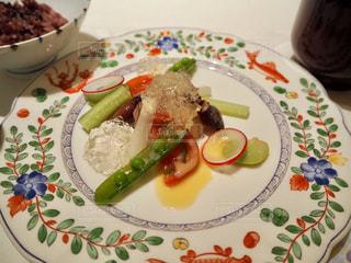 宙SORAのお料理ー帆立貝柱のサラダと修善寺の国米ごはんの写真・画像素材[1809153]