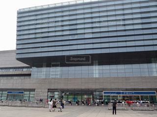 世界最大(建築当時)の駅、上海虹橋駅の写真・画像素材[1819781]