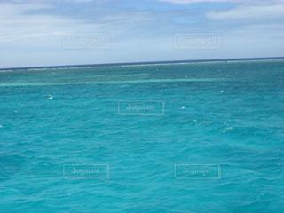アメデ灯台周辺をボートで散策の写真・画像素材[1827665]