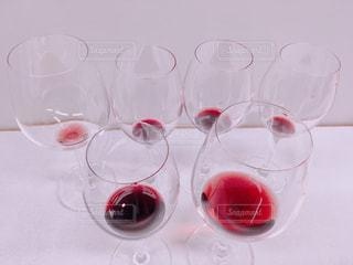 デパートの催事で赤ワイン飲み比べの写真・画像素材[2030148]