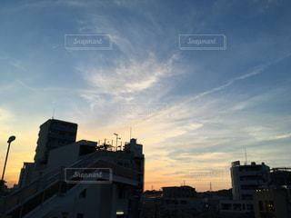 夕焼けの溝の口の写真・画像素材[2101568]