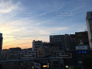 夕焼けの溝の口の写真・画像素材[2101571]
