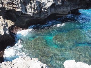 波照間島最南端の断崖絶壁の写真・画像素材[2390147]