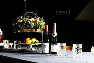 テーブルの上の果物の写真・画像素材[1068830]