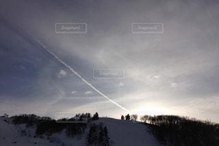 夕陽の筋の写真・画像素材[1070099]