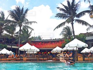 バリ島のリゾートビーチクラブの写真・画像素材[1070107]