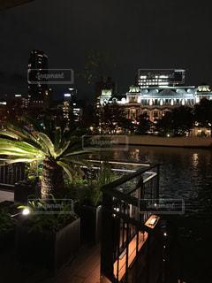 夜の街の景色の写真・画像素材[1069381]