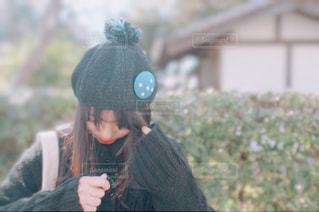 帽子をかぶっている人の写真・画像素材[2172436]