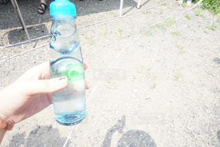 夏のラムネの写真・画像素材[2088326]