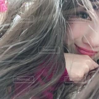 微笑む女性の写真・画像素材[1072245]