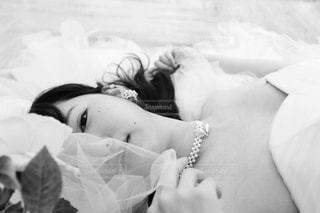 ウェディング ドレスの人の写真・画像素材[1072320]