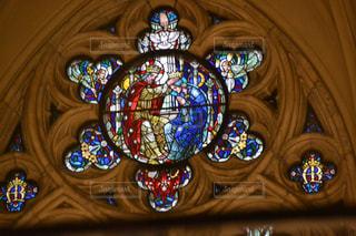 教会のステンドガラスの写真・画像素材[1073495]