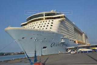巨大クルーズ船の写真・画像素材[1092525]