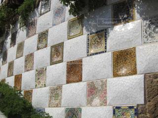 タイル張りの壁の写真・画像素材[1090070]
