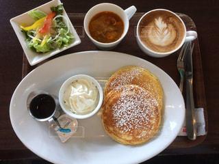 朝のパンケーキセットの写真・画像素材[1081975]